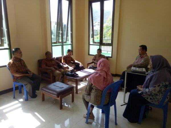 Sidang Keliling Perdana Pengadilan Agama Sambas Kelas IB Di Kecamatan Pemangkat