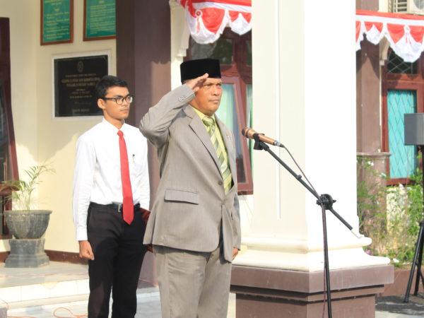 Ketua PA Sambas Pimpin Upacara HUT RI di PN Sambas
