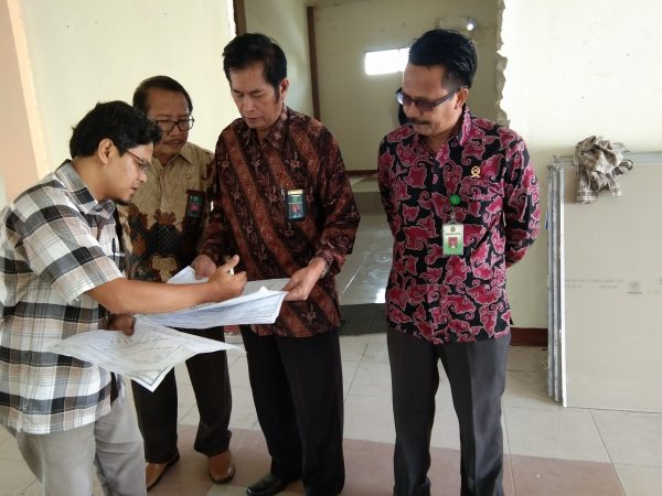 KPTA, Panitera dan Sekretaris PTA Pontianak Lakukan Pembinaan di PA Sambas