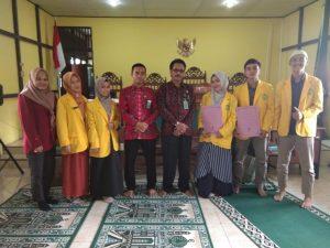 Pengadilan Sambas Melepas Mahasiswa Magang